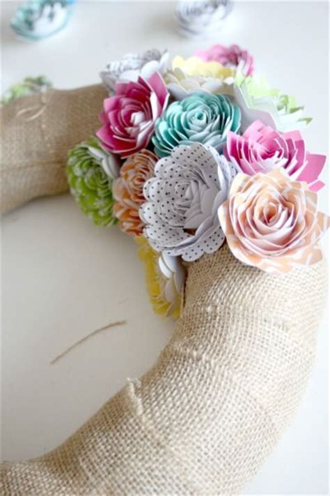 paper flower wreath tutorial paper flower wreath tutorial paper flowers pinterest