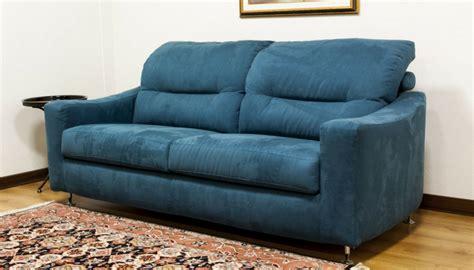 pulire divani in tessuto come pulire il divano in tessuto in pelle e in microfibra