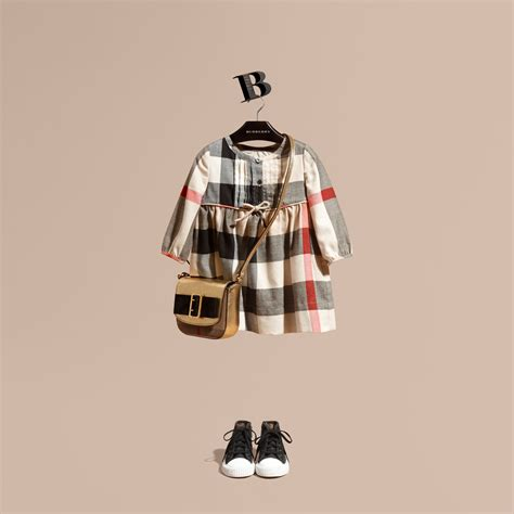 Tas Burberry Ribbon Set 2 In 1 Gold Series Jj 4725 1 check cotton flannel dress with bow detail burberry