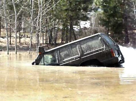 jeep snorkel underwater modified jeep cherokee snorkels very deep water and floats