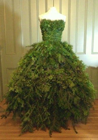 best way to dress a christmas tree 17 best ideas about tree dress on decorations used dresses and