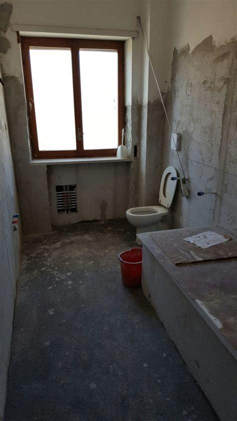 altezza rivestimenti bagno sos altezza rivestimento bagno