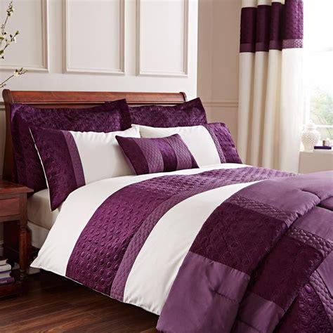plum bed linen 25 best ideas about plum bedding on farm