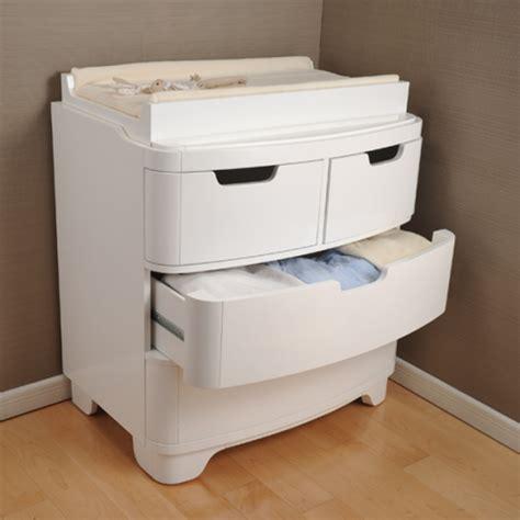 Kourtney Crib by Kourtney Kardashian S Eco Friendly Baby Decor