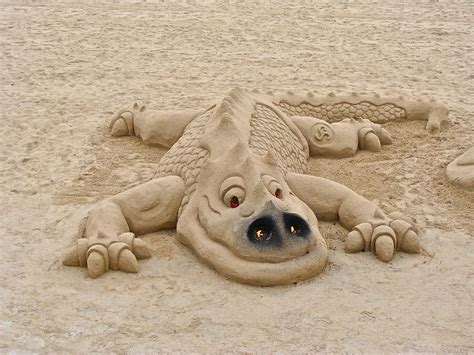 Angel Sculptures by Sensational Sand Sculptures From Creative Castles To