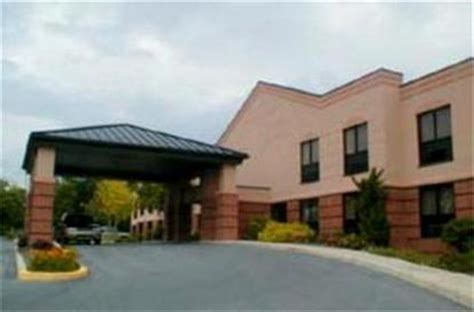 comfort inn martinsburg west virginia comfort suites martinsburg martinsburg deals see hotel