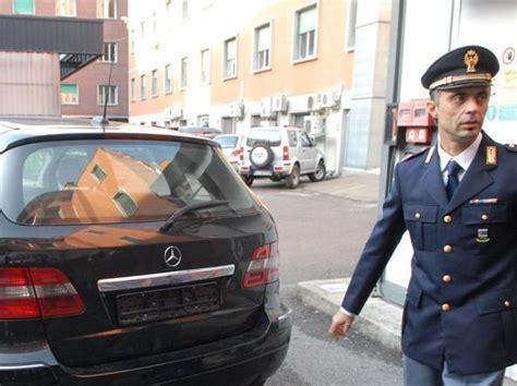 polizia stradale ufficio verbali como migliaia di multe cancellate in manette i vertici