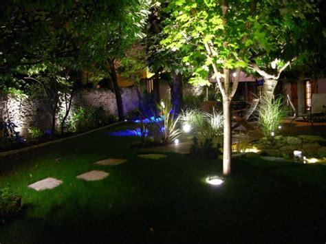 Eclairage Arbre Exterieur by 201 Clairages De Jardin L Ar Du Portail L Ar Du Portail