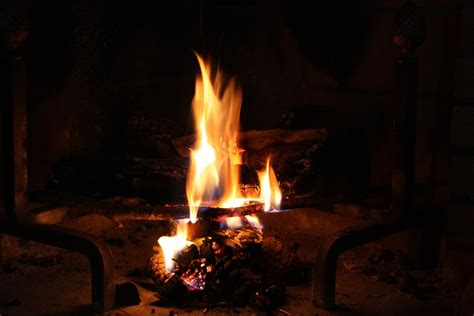screensaver camino acceso fireplace flames 183 free photo on pixabay