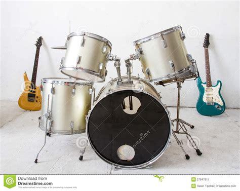 guitar drum musical guitar and drum kit royalty free stock photo image 27947815