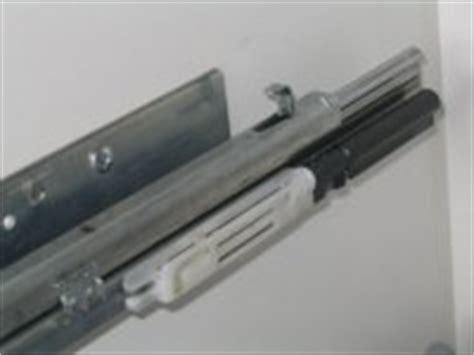 selbsteinzug schublade selbsteinzug quietscht fabrikat k 252 chen forum