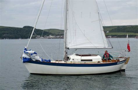 sailing catamaran under 30 feet popular cruiser yachts under 30 feet 9 1m long overall