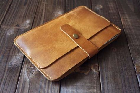 Handmade Pocket - the handmade leather mini with a pocket for