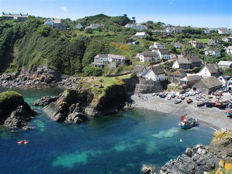 Norfolk Beach House - top 10 fishing villages best of the cornwall guide