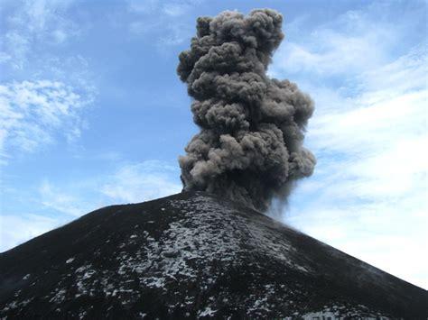membuat gelang anak gunung sensasi melihat letusan anak gunung krakatau dari dekat