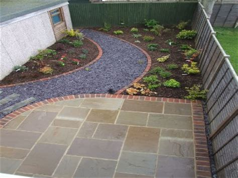 Patio Pavers Curved Edge Garden Design Patio With Curved Brick Edge And Curved