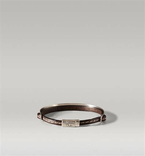 Massimo Dutti Toiletry 1000 images about style on sports