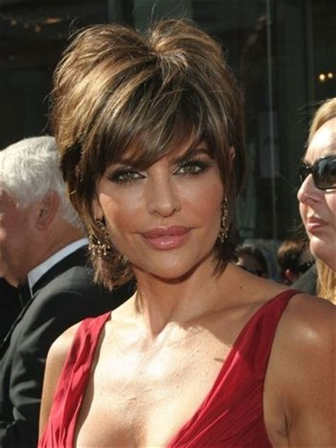does lisa rinna have thick hair 25 best ideas about celebrity medium haircuts on
