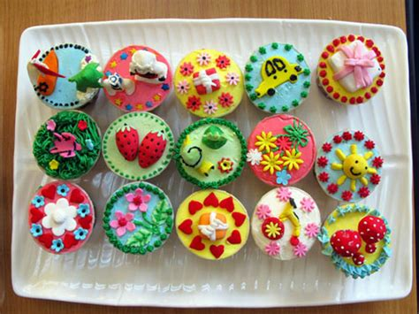 Decorating Ideas For Cupcakes Cupcake Decorating Ideas For 21st Birthday