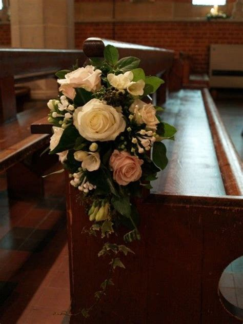 1000  ideas about Pew Ends on Pinterest   Church Flowers