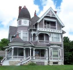file wooden queen anne house in fairfield iowa jpg