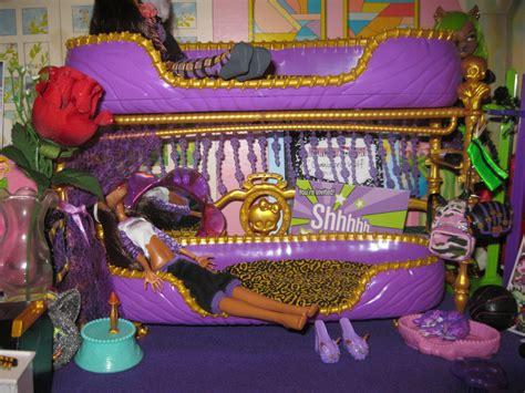 monster high bunk bed clawdeen bunk bed monster high dolls com
