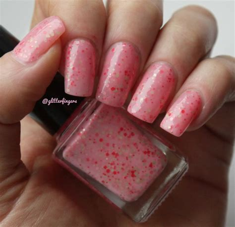 07 Strawberry Milkshake Nail Bpom 10ml glitterfingers the at number five strawberry shake em up