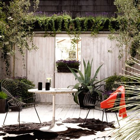 small decked garden contemporary gardens 10 best