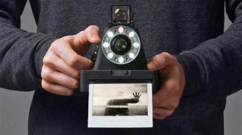 quanto costa una cornice digitale impossibile i 1 una polaroid istantanea e analogica