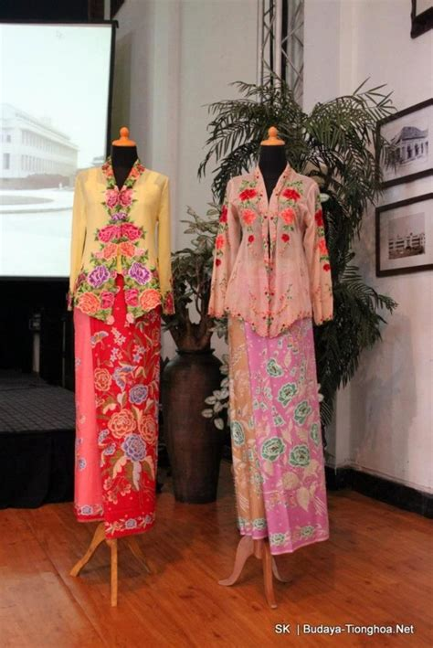 Dress Model Casual Motif Bali Style Impor 17 best images about sarong kebaya on models singapore and formal dresses