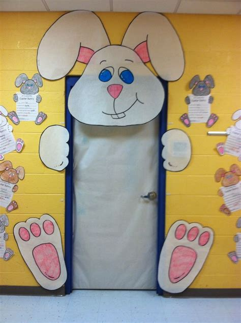 easter door decorations oltre 1000 idee su porte della scuola su porta