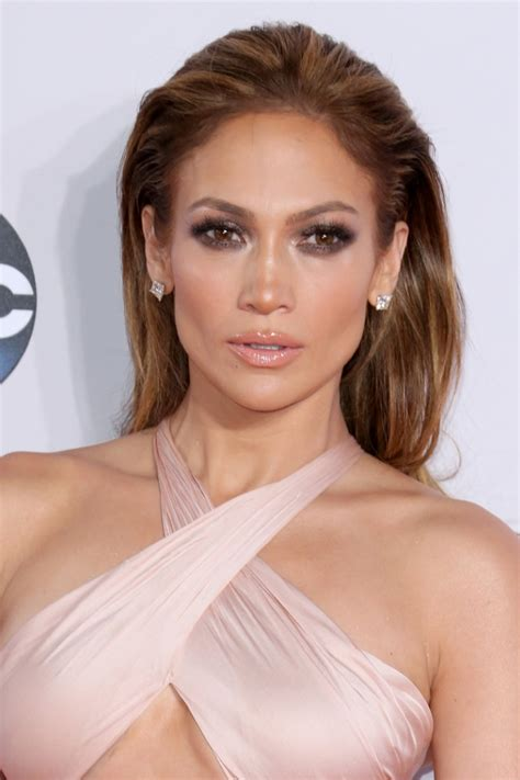 Jlo Hairstyle 2015 | jennifer lopez goes short see her new hair