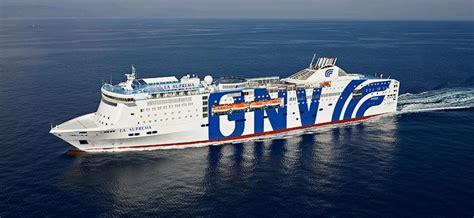 grandi navi veloci la suprema traghetti grandi navi veloci prenota on line con