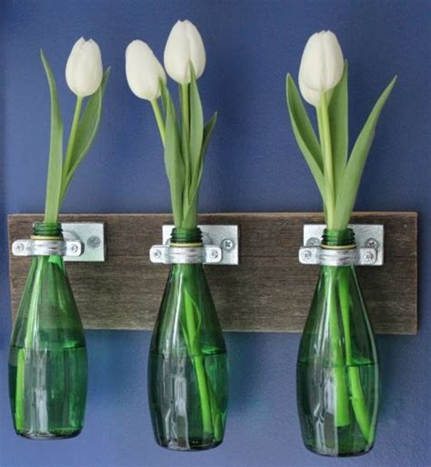How To Make Vases Out Of Wine Bottles by 25 Best Ideas About Bottle Vase On Diy Bottle