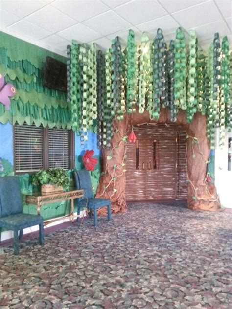 Decorating Ideas For Vbs Journey The Map Great Idea Using Paper Chains For The Tree Church