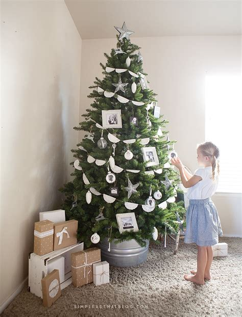 simple but beautiful christmas tree pictures simple rustic memory tree