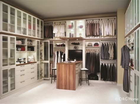 Custom Closet Design 7 Reasons To Ditch Your Columbus Builders Grade Wire