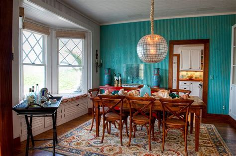 Dining Room Accent Wall Ideas by 10 Dining Rooms With Snazzy Striped Accent Walls