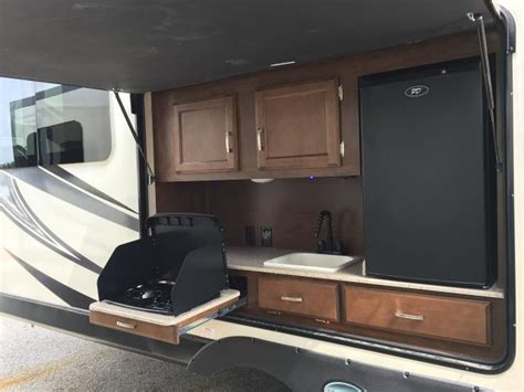 travel trailer with king bed sport trek touring 336vrk rear kicthentravel trailer