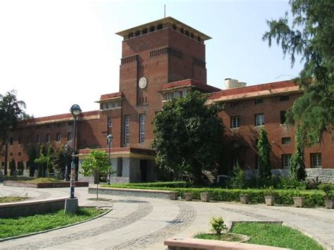 Mba In Srcc Du by Top 10 Commerce Colleges In India 2014 Careerindia