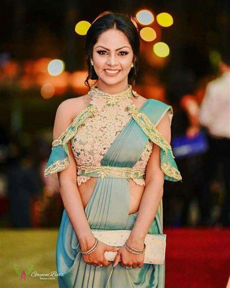 bollywood actross in sri lankan style saree sri lankan most popular actress shalani tharaka saree