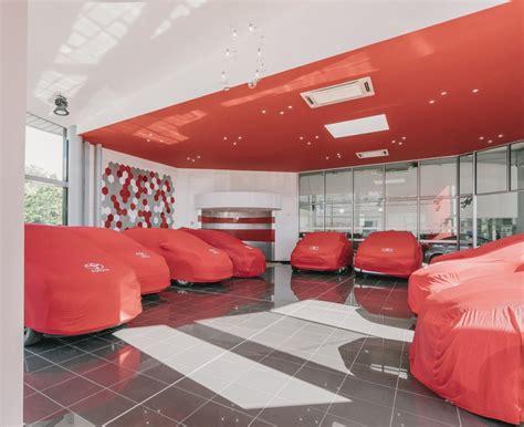 Decoration Garage Automobile by Agencement D Int 233 Rieur Garage Automobilie Toyota 224 Toulon