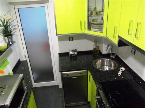 encimera verde pistacho cocina verde y negra cocinas franc