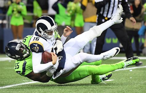 seahawks vs rams score jared goff gets knocked out in rams loss to the seahawks