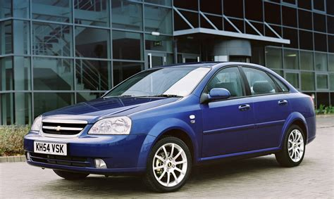 chevrolet lacetti saloon   review parkers