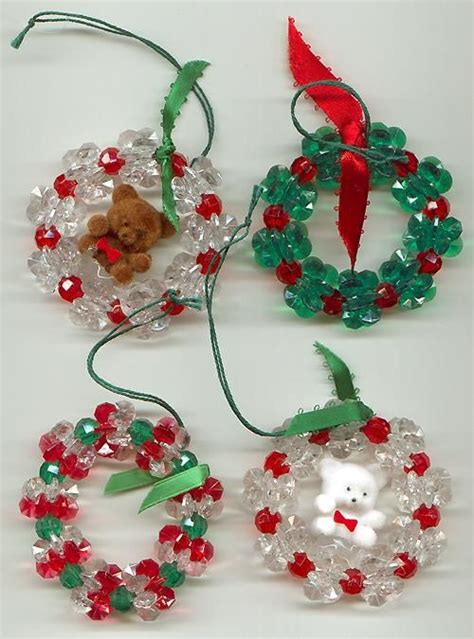 wreaths crafty christmas ornaments pinterest