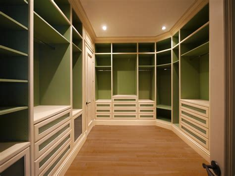 Custom Walk In Master Closet Master Bedroom Walk In Closet Designs