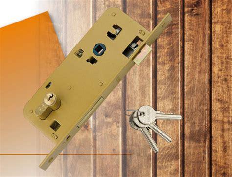 serrature per porte in legno serrature