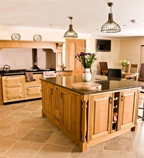 Oak Kitchens Designs Oak Kitchen Newquay S Kitchens Bespoke Kitchens And Furnuture Made In Wales