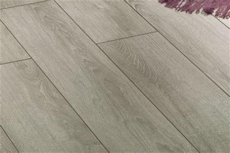 pavimento in legno laminato parquet livorno luca alessio laminato ac5